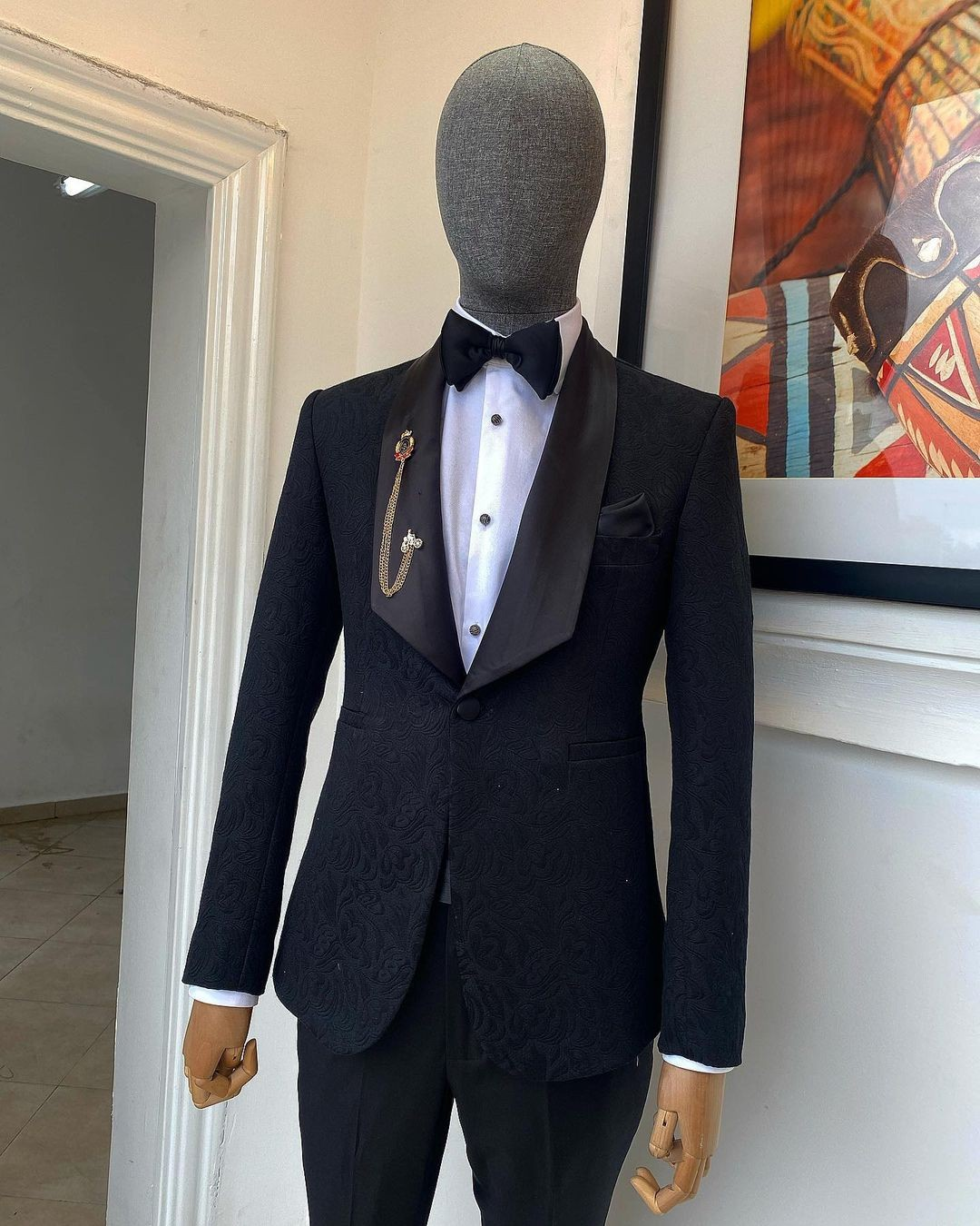 A Charcoal Black Floral Jacquard shawl lapel tuxedo suit