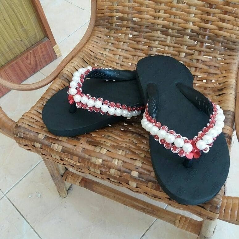 Beaded Slippers for Indoors and Casual